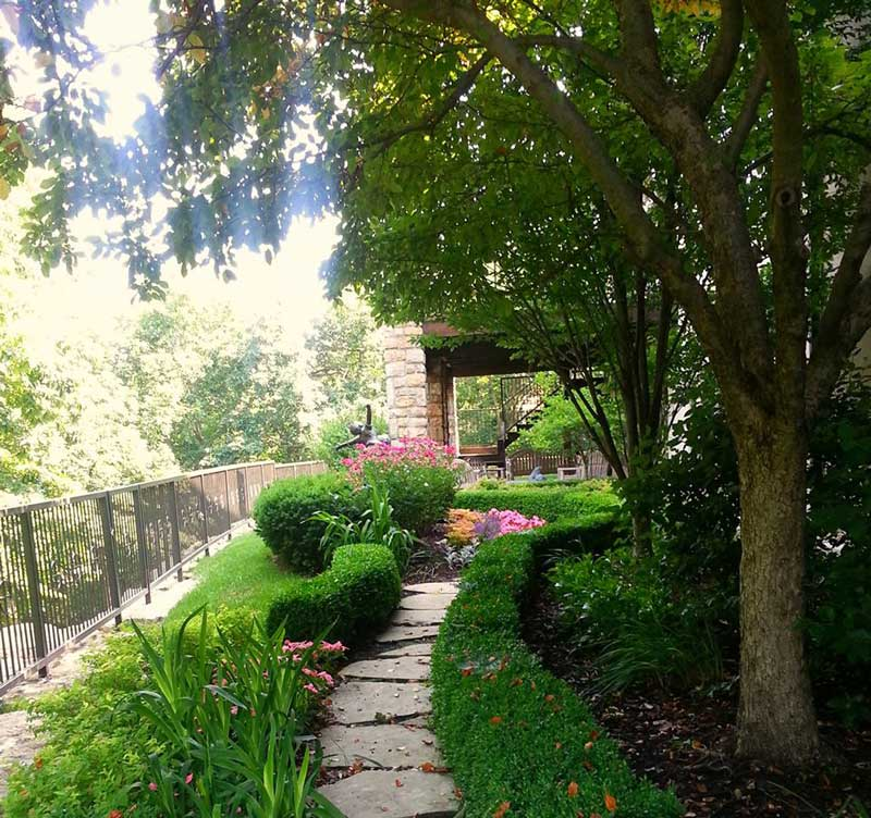 pathway landscaping backyard